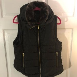 Zip Front Puffer Vest with Faux Fur Collar